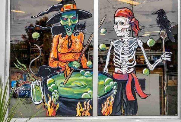 Vitrine peinte à la main sorcière et squelette