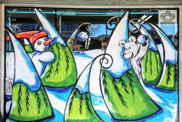 Vitrine peinte à la main bagarre de boules de neige